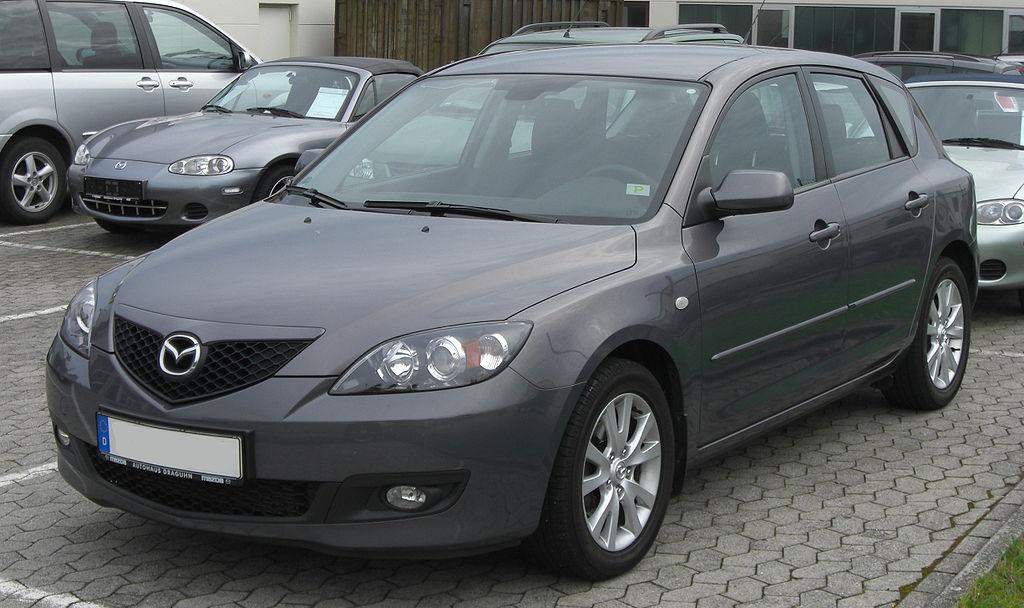 1024px Mazda 3 Facelift front Jaki samochód wybrać dla początkującego kierowcy?