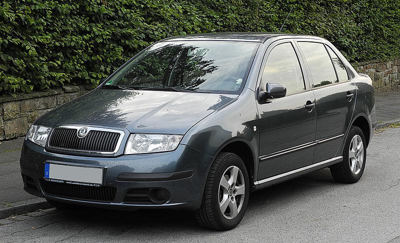 800px Skoda Fabia Sedan 1.4 16V I Facelift – Frontansicht 15. Juni 2011 Wülfrath Jaki samochód wybrać dla początkującego kierowcy?