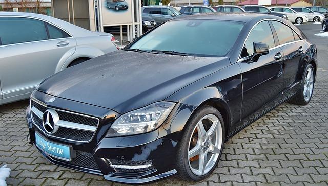 mercedes 587557 640 Jak sprzedawać samochód za pomocą internetu?